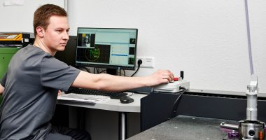 Neue Mitutoyo 3D-Messmaschine für die Qualitätskontrolle